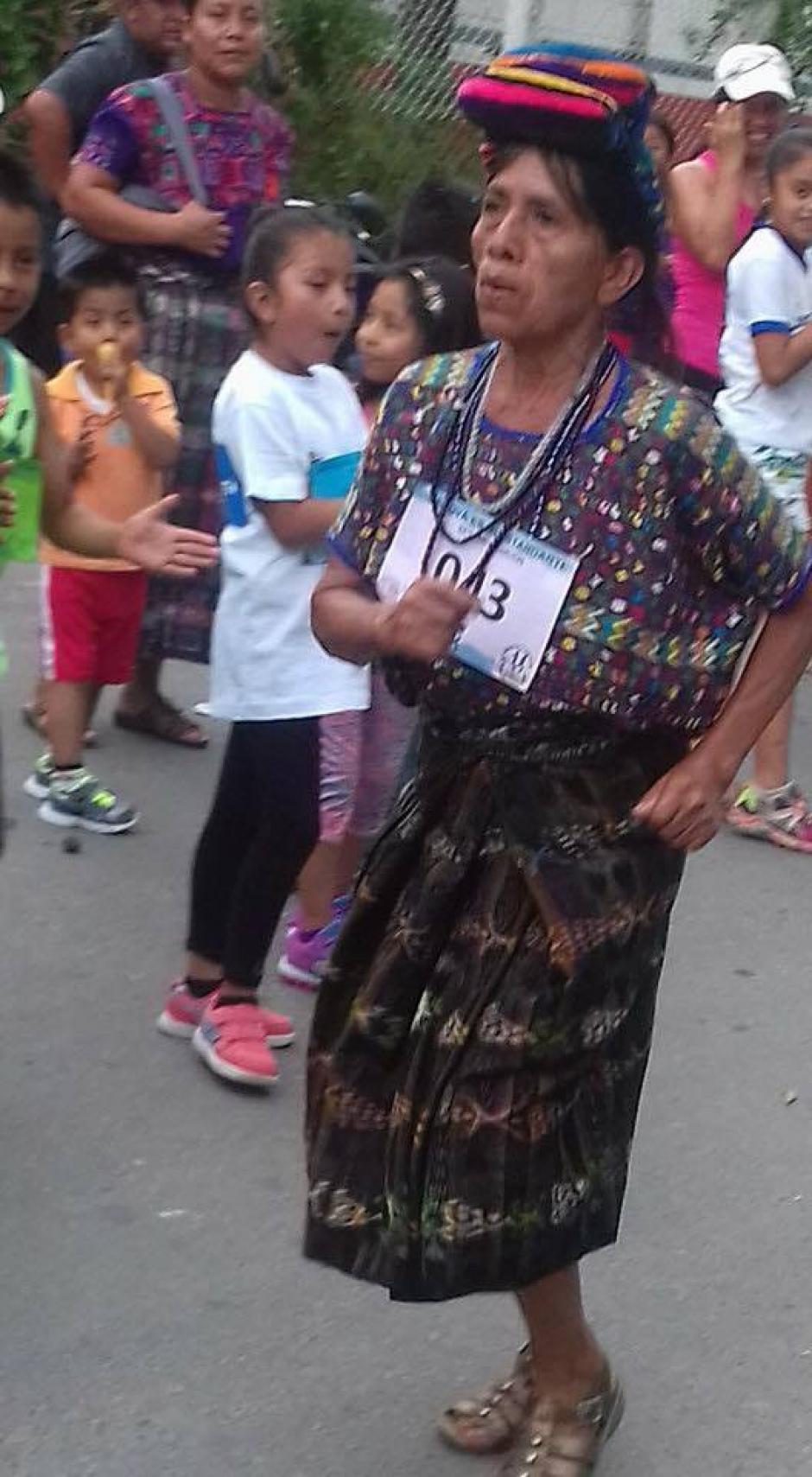 Nicolasa Cuxún ha participado en otras cuatro carreras dentro del departamento de Baja Verapaz. (Foto: Colegio Bautista)