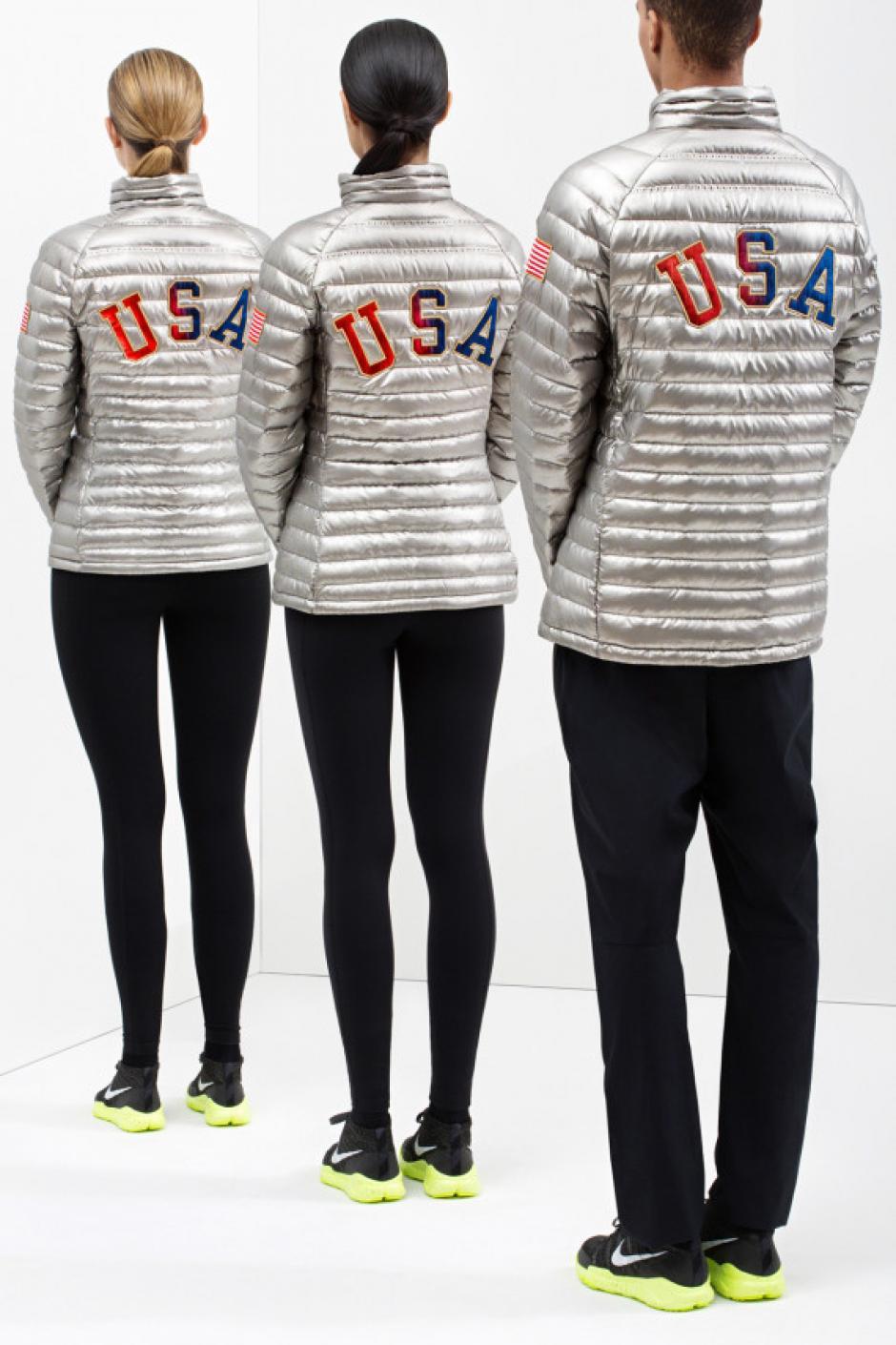 El equipo que competirá en la modalidad de ski lucirá un diseño de la marca Nike. La chaqueta en su exterior en titanio reflector y por dentro tiene al menos 800 plumas de ganso para brindar calor. Foto Nike