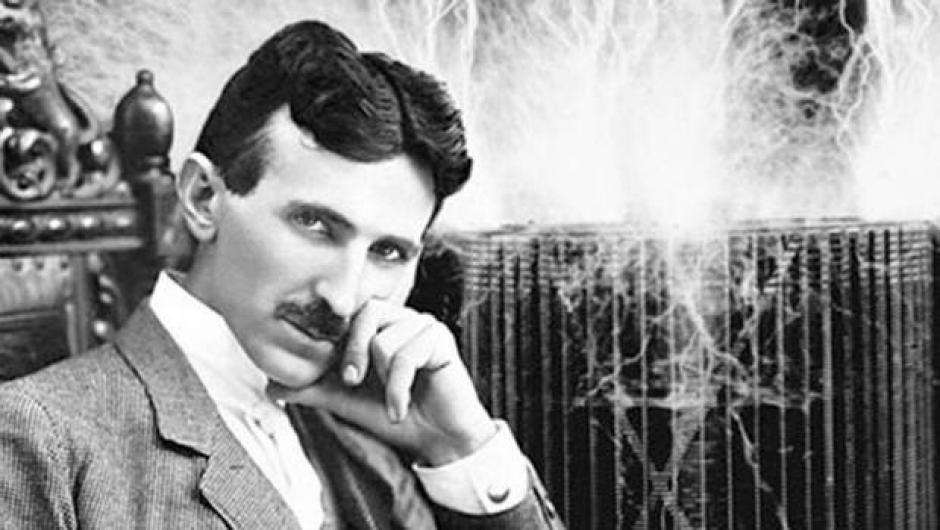 Nikola Tesla fue un científico de origen serbio que patentó la idea en 1898. (Foto: 24horas.cl)