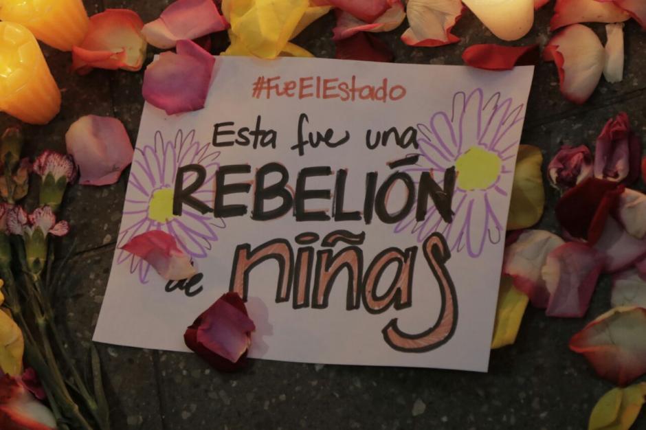 Los guatemaltecos están de luto por la muerte de las niñas. (Foto: Alejandro Balan/Soy502)