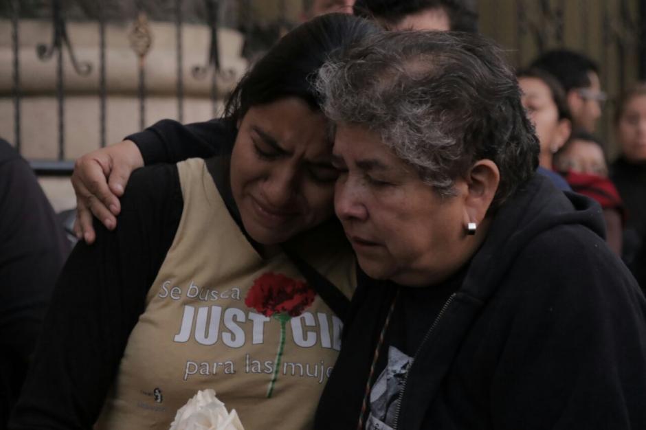 Lágrimas y dolor se observó en la protesta. (Foto: Alejandro Balan/Soy502)