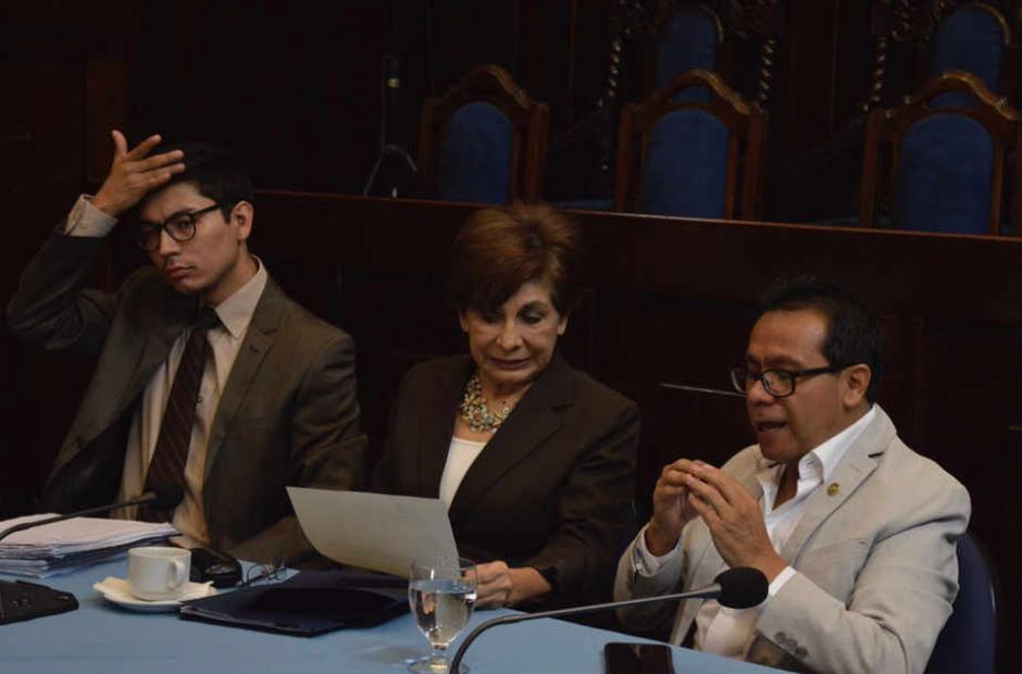 La diputada Nineth Montenegro señaló que Aguilar pudo frenar el usufructo de TCQ, pero no accionó. (Foto: Camila Chicas/Soy502)