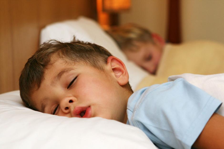 La posición en la que los niños duermen puede decir mucho sobre su particular carácter.