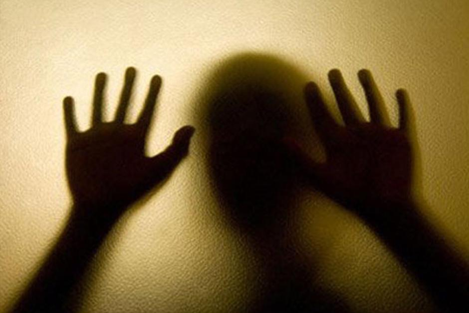 El niño fue quemado de sus manos como castigo. (Foto: Ilustrativa/Archivo)