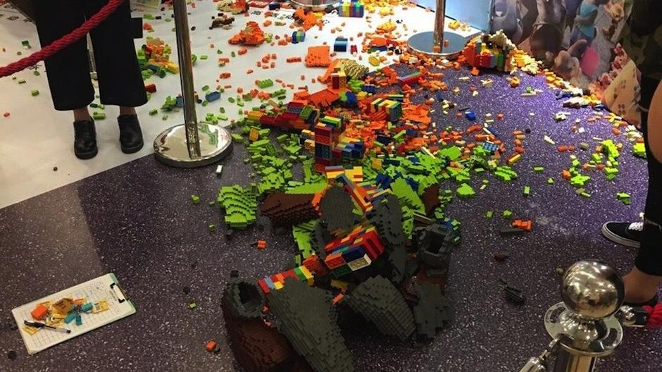 Esta travesura infantil salió cara. (Foto: Weibo)