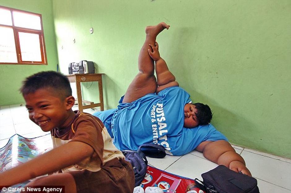 El pequeño ha sido sometido a una rigurosa dieta para perder peso. (Foto: Daily Mail)