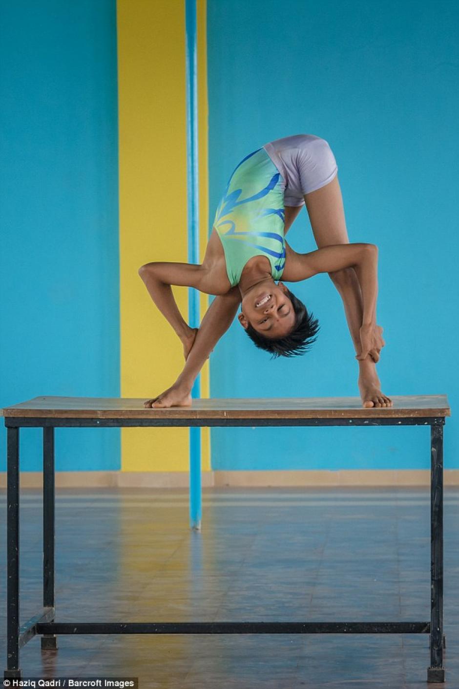 El niño tiene flexibilidad en todas las partes de su cuerpo. (Foto: barcroft)