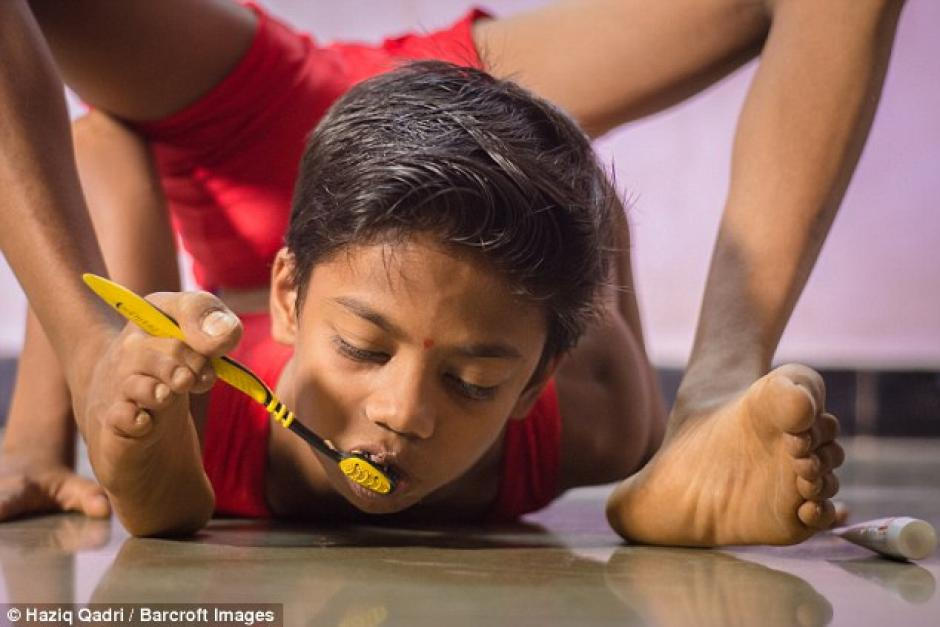 Su entrenador busca que se convierta en un contorsionista a nivel mundial. (Foto: barcroft)
