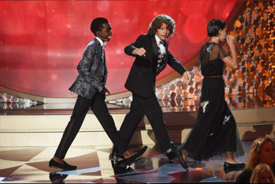 """Los tres niños bailaron y cantaron """"Uptown Funk"""" de Bruno Mars. (Foto: AFP)"""
