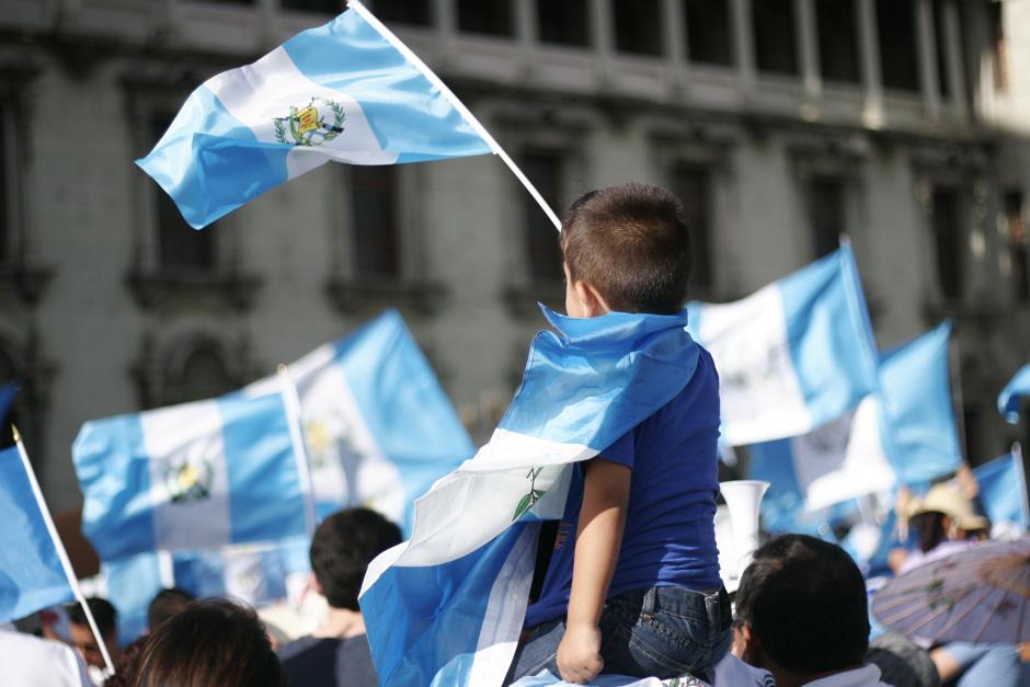 Niños entusiasmados portaron los colores nacionales. (Foto: Archivo/Soy502)