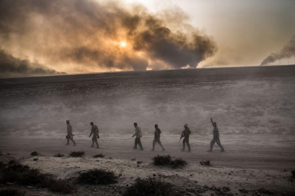 El avance del ejército iraquí hace que los terroristas busquen formas de escapar del acorralamiento.  (Foto: The Sun)