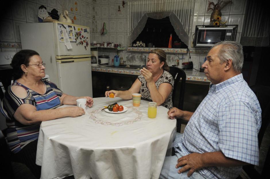 La familia de Keylor Navas disfrutó la visita del portero del Real Madrid. (Foto: La Nación)
