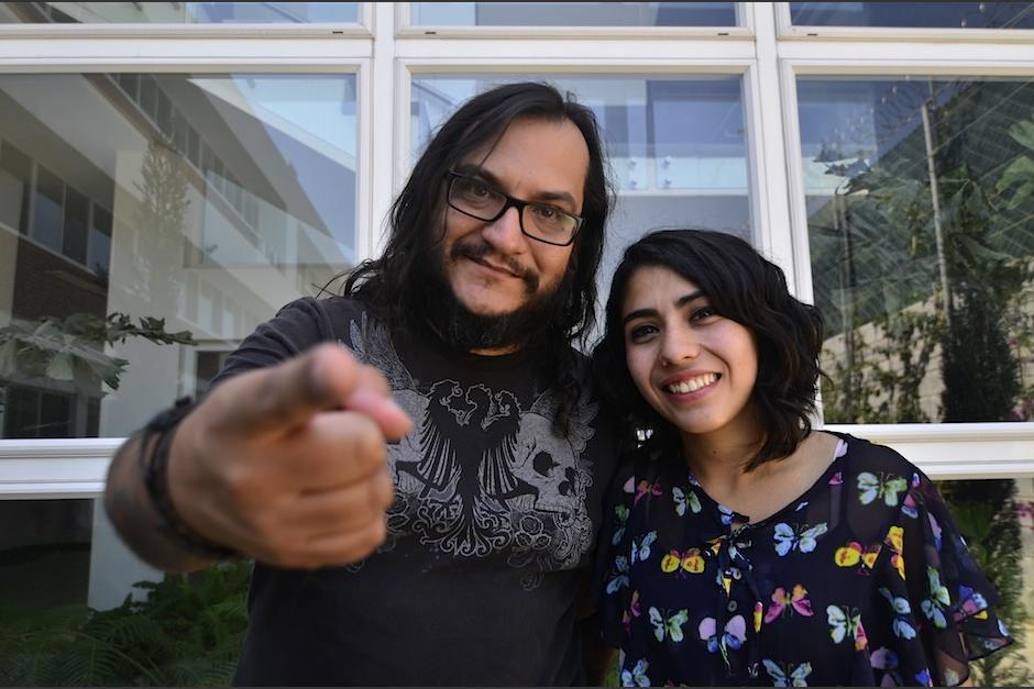 El músico Pablo León (Mae) y Ana García invitan a todos al Expo Music. (Foto: Selene Mejía/Soy502)