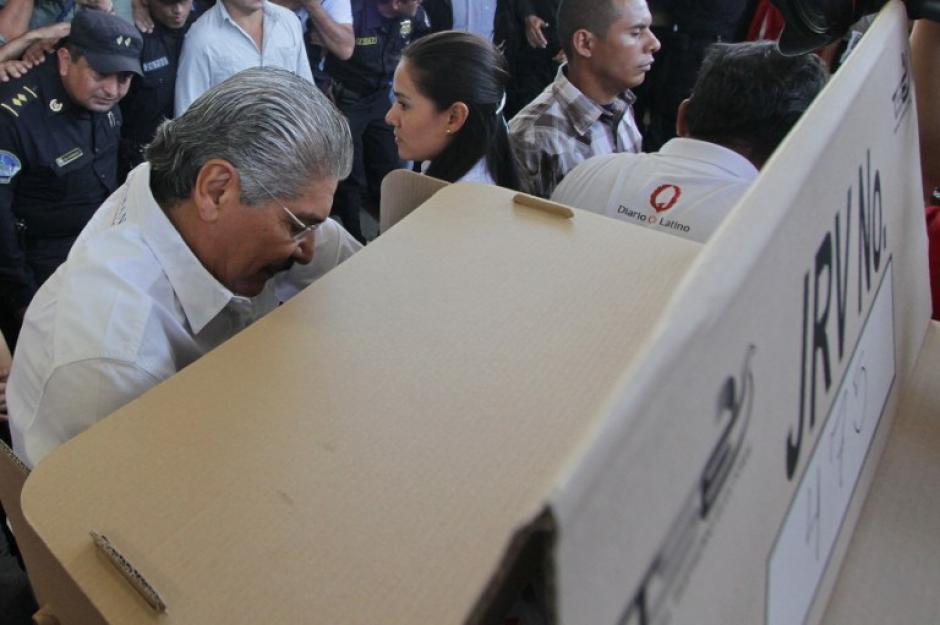 Norman Quijano es el candidato de la Alianza Republicana Nacionalista (Arena). Fue alcalde de San Salvador desde 2009 hasta el 15 de agosto de 2013 cuando se lanzó como candidato a la presidencia. (Foto: AFP)