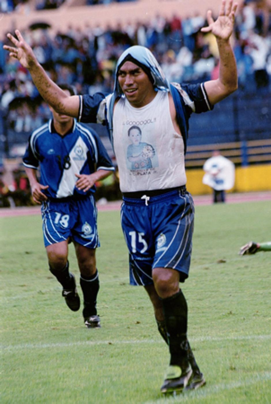 Los goles de Juan Carlos Plata siempre fueron dedicados a su familia. (Foto: Nuestro Diario)