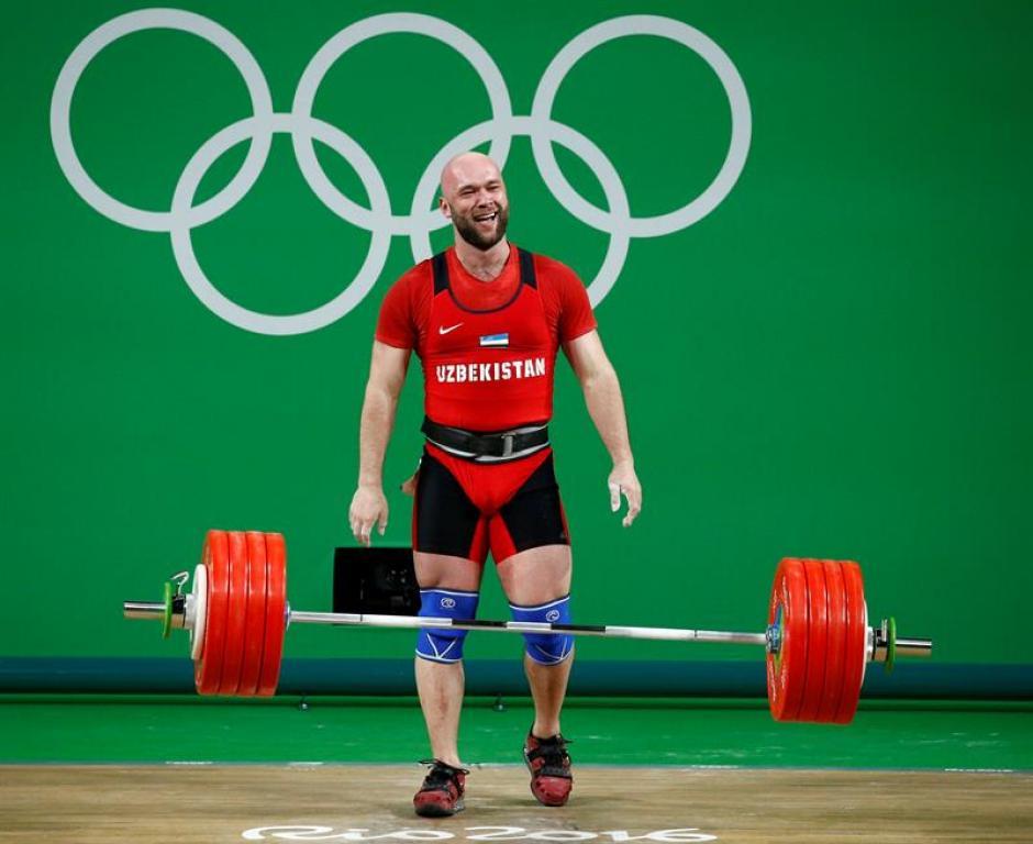 Nurudinov superó por 14 kilos al medallista de plata. (Foto: EFE)