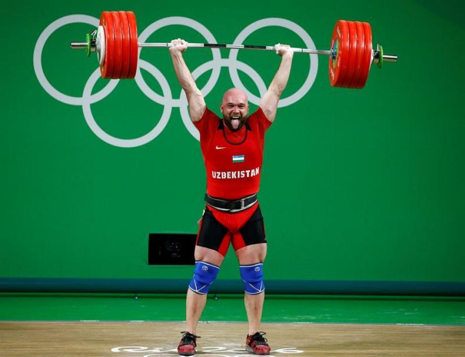 Ruslan Nurudinov impuso un nuevo récord olímpico. (Foto: EFE)