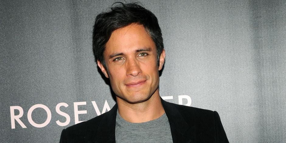 Gael García Bernal interpretará al personaje de Zorro en la nueva versión de la película. (Foto: huffpost.com)