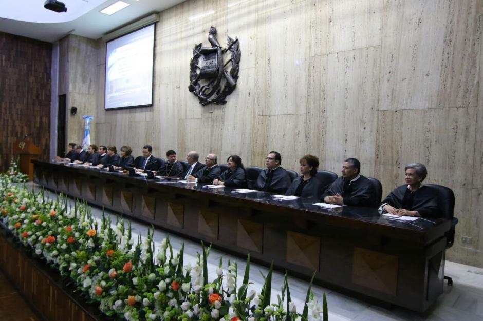 A la actividad asistieron los representantes de los tres poderes del Estado. (Foto: Alejandro Balan/Soy502)