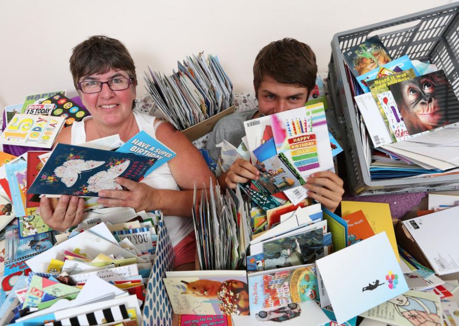 Ollie recibió miles de tarjetas de felicitación por su cumpleaños. (Foto: thesun.co.uk)