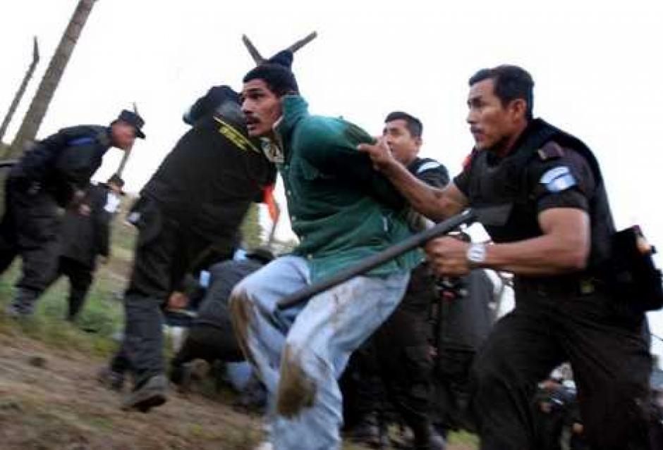 """Exfuncionarios fueron acusados de ejecución extrajudicial por las muertes en la operación """"Pavo Real"""". (Foto: rostromagazine.com)"""