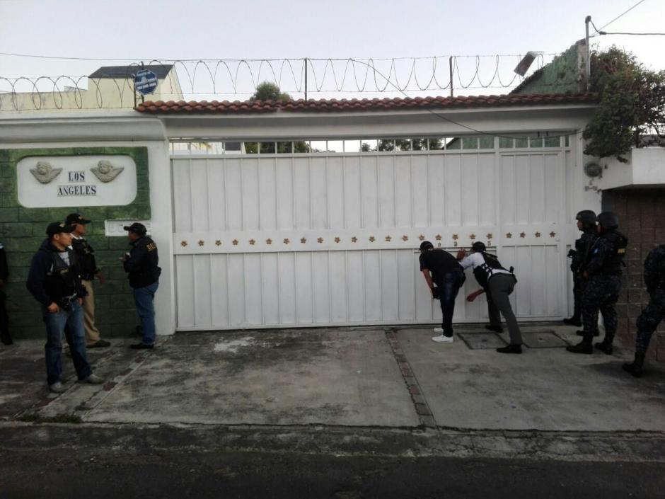 En una residencia de la zona 8 de Mixco se desarrolló la diligencia. (Foto: PNC)