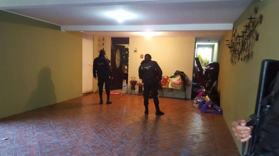 La Policía Nacional Civil (PNC) informó sobre allanamientos en dos puntos de la capital para capturar a uno de los prófugos guatemaltecos en el caso FIFA. (Foto: PNC)