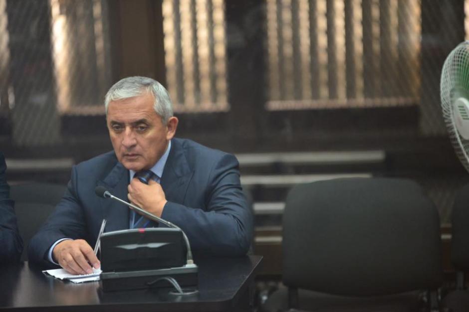 """El expresidente llegó antes de la hora programada por el Juzgado """"B"""" de Mayor Riesgo. (Foto: Jesús Alfonso/Soy502)"""