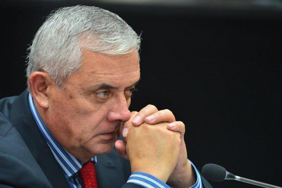 Otto Pérez Molina se mantenía atento a las pruebas presentadas por el Ministerio Público (MP). (Foto: Wilder López/Soy502)