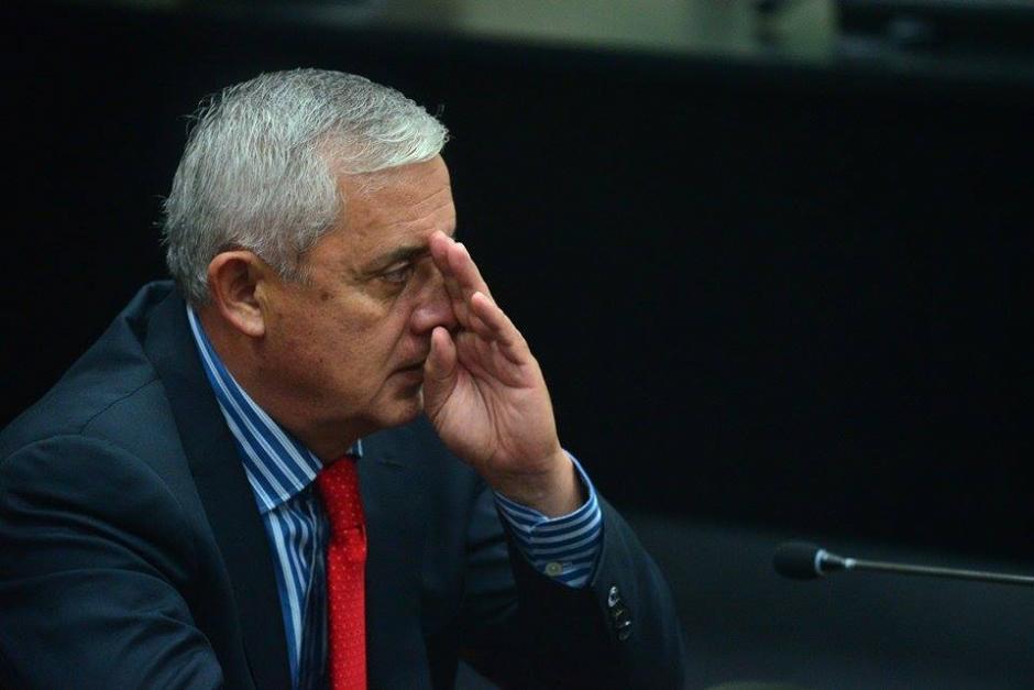 Pérez Molina durante la audiencia se mantuvo atento pero de forma nerviosa hace varios gestos. (Foto: Wilder López/Soy502)