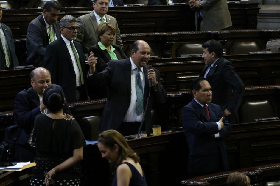 La UNE, Encuentro por Guatemala, Winaq, URNG y Convergencia dijeron que las votaciones los tomaron por sorpresa. (Foto: Alejandro Balán/Soy502)