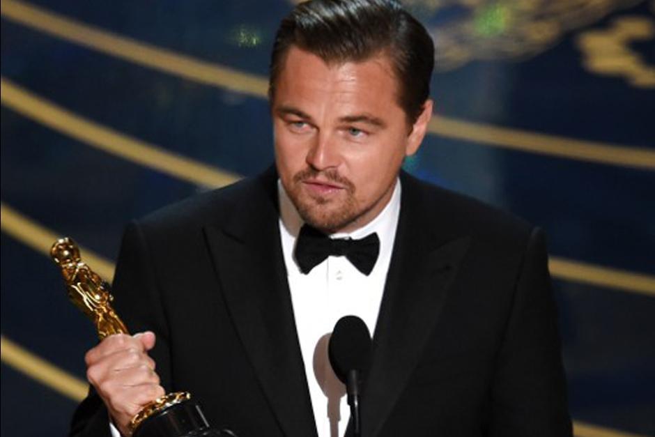 Leo DiCaprio, por fin, pudo tener una estatuilla entre sus manos. (Foto: AFP)