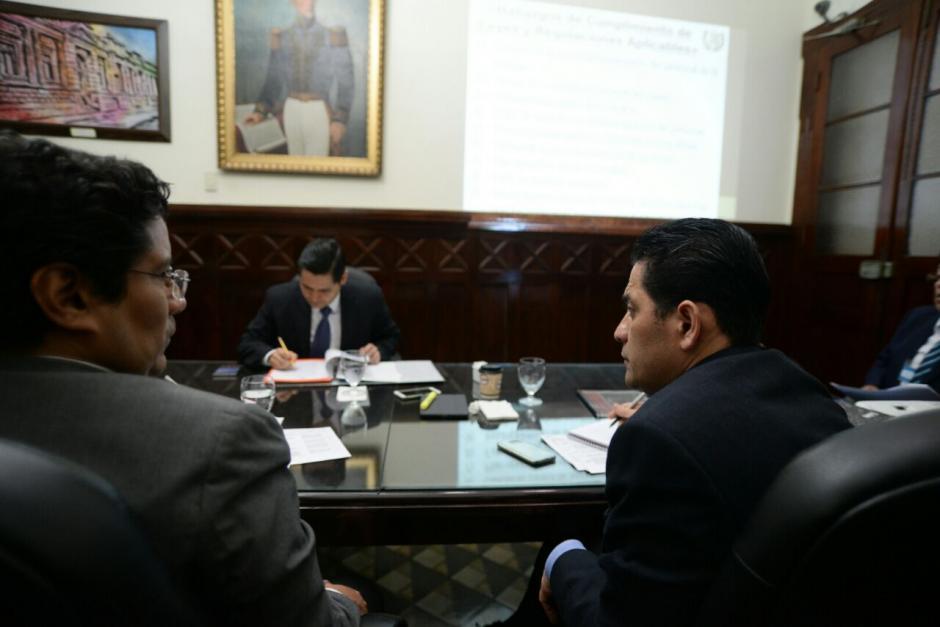 El recorte de personal fue uno de los puntos abordados en la reunión. (Foto: Wilder López/Soy502)