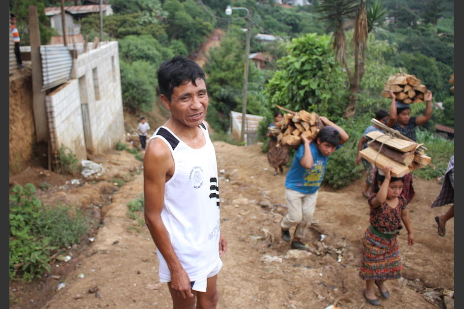 Óscar es conocido y admirado por sus vecinos. (Foto: Luis Barrios/Soy502)