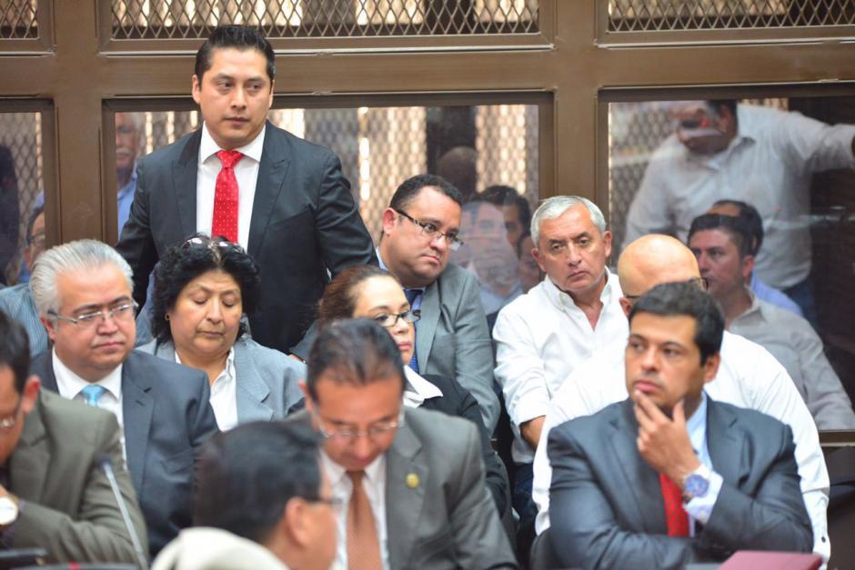 Sus gestos denotaban nerviosismo y preocupación. (Foto: Wilder López/Soy502)