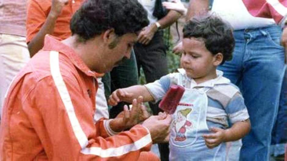 Pablo Escobar y su hijo Juan Pablo. (Foto: El Heraldo)