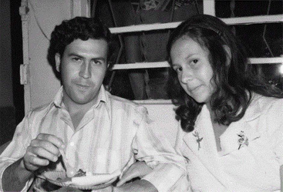 El capo junto a su esposa Victoria Enao, quien tenía 15 años cuando se casó con Escobar. (Foto: El Heraldo)