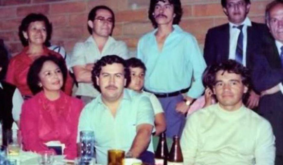 La familia cercana y amigos de Pablo Escobar. (Foto: El Heraldo)