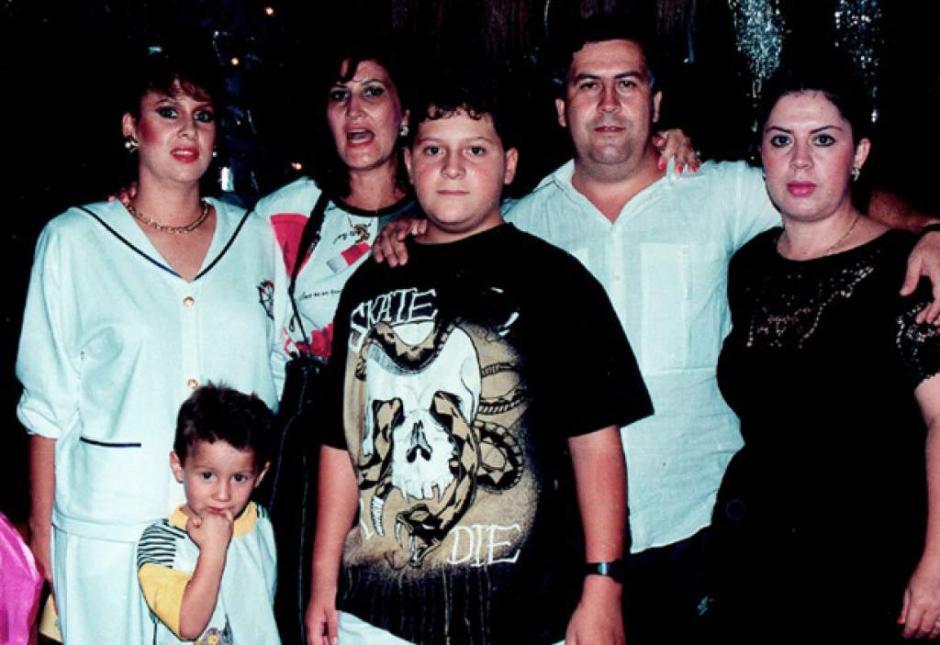 Pablo Escobar el capo más temido, junto a su familia. (Foto: El Heraldo)
