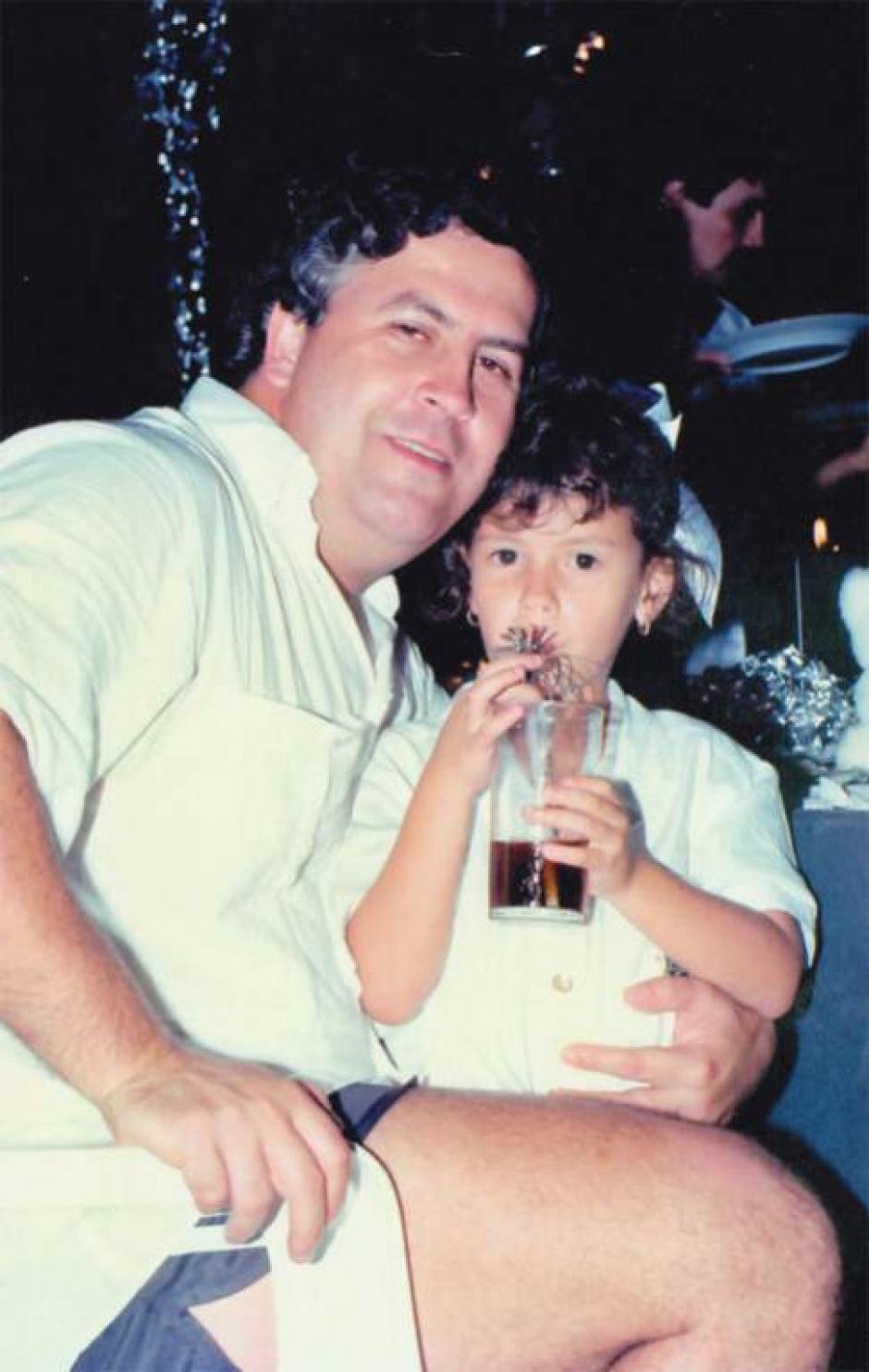 Escobar junto a su hija Manuela. (Foto: El Heraldo)