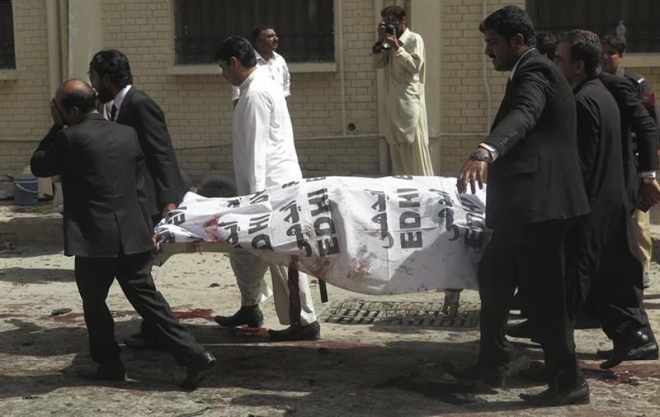 Al menos 63 personas murieron y más 100 resultaron heridas en un ataque suicida. (Foto: Efe)