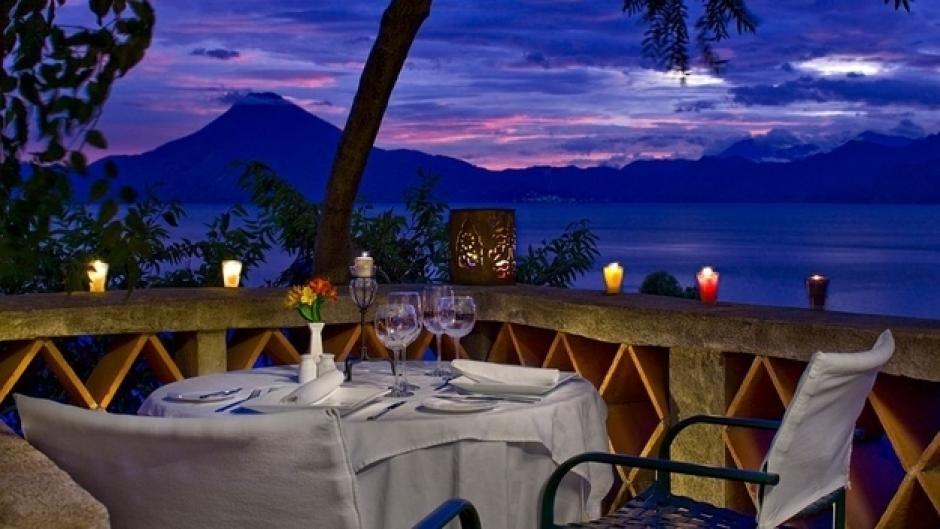 Restaurante Palopó en el lago de Atitlán.