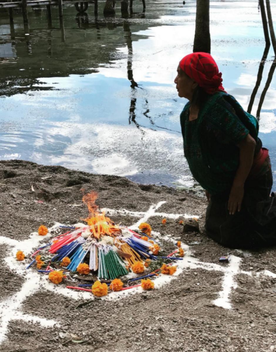 Previo al inicio del proyecto se realizó una ceremonia maya para bendecirle. (Foto: Harris Whitbeck)