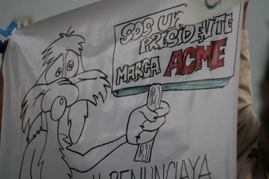 Dibujos y reseñas cómicas fueron parte de la protesta del #27A en el Parque Central. (Foto: José Dávila/Soy502)