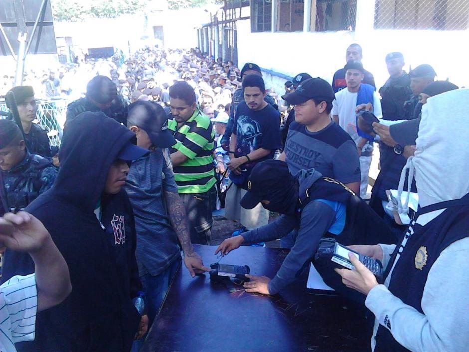 Los reos fichados son integrantes de la Mara Salvatrucha.  (Foto: PNC)