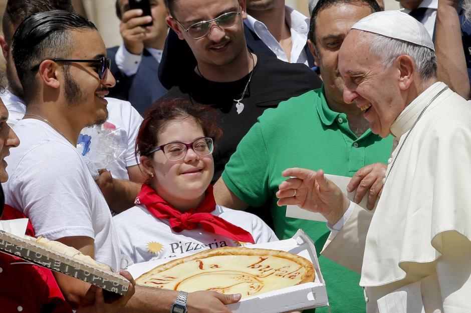El almuerzo fue luego de la canonización de la Madre Teresa de Calcuta. (Foto: @DiarioRespuesta)