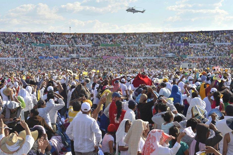 El Papa Franciso oficializó un encuentro con familias en Tuxtla, México. (Foto: AFP)