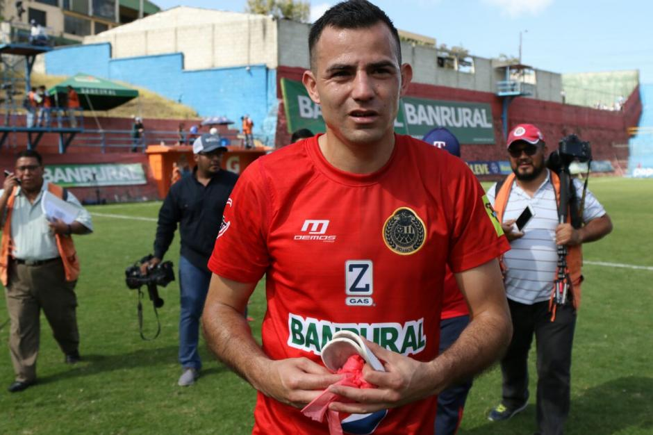 El jugador rojo dijo sentirse bien de regresar al fútbol. (Foto: Alejandro Balan/Soy502)