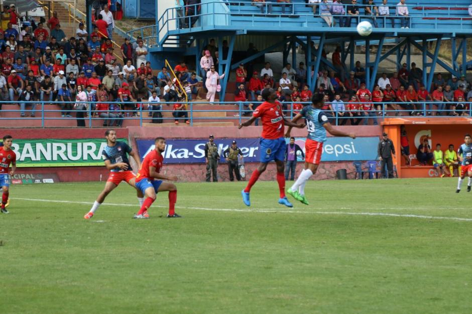 El partido no fue fácil para Municipal según sus propios protagonistas. (Foto: Alejandro Balan/Soy502)