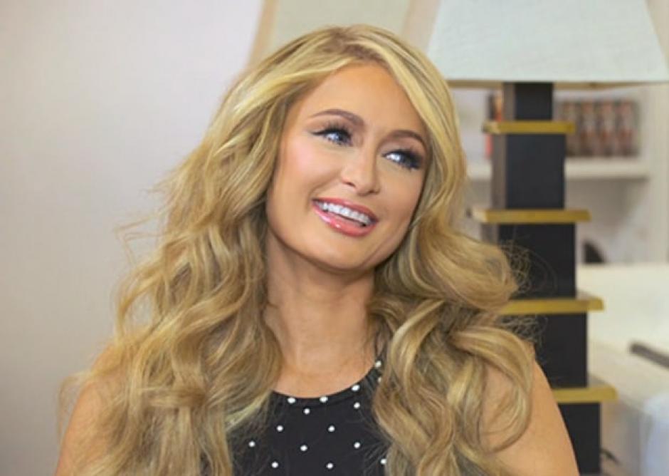 Paris Hilton tuvo el incidente de vestuario en una tienda de aparatos tecnológicos. (Foto: USmagazine.com)